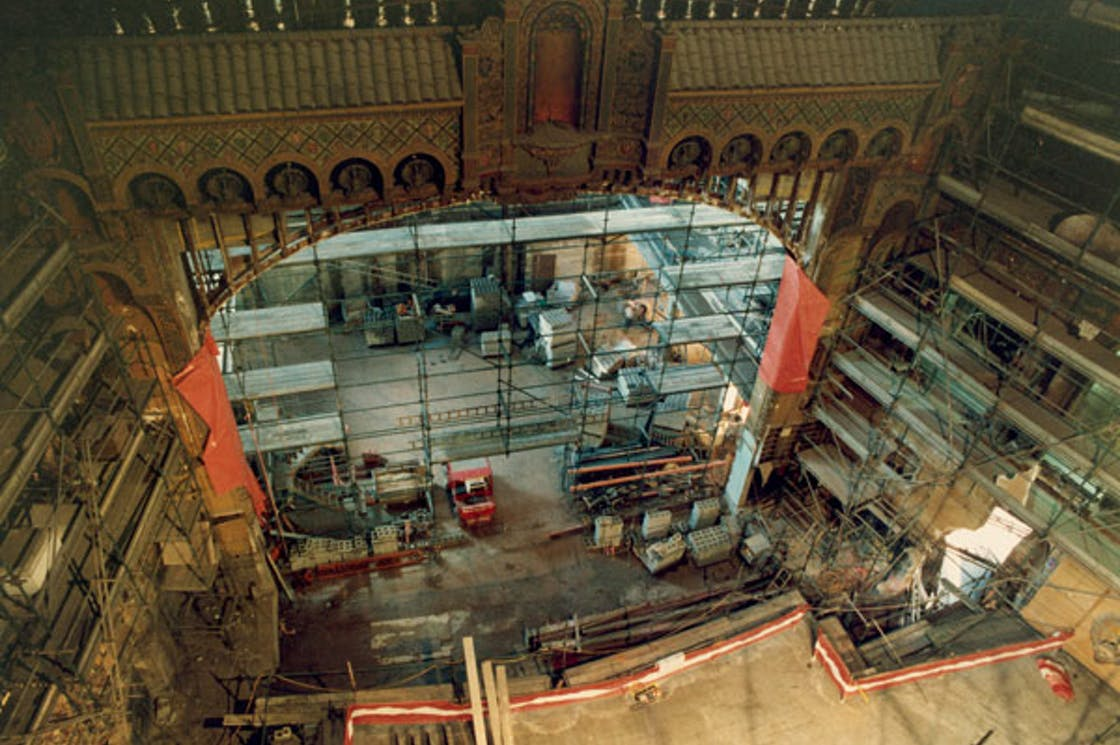 1994 - Old stage and mechanics were replaced with modern theatre facilities during the restoration